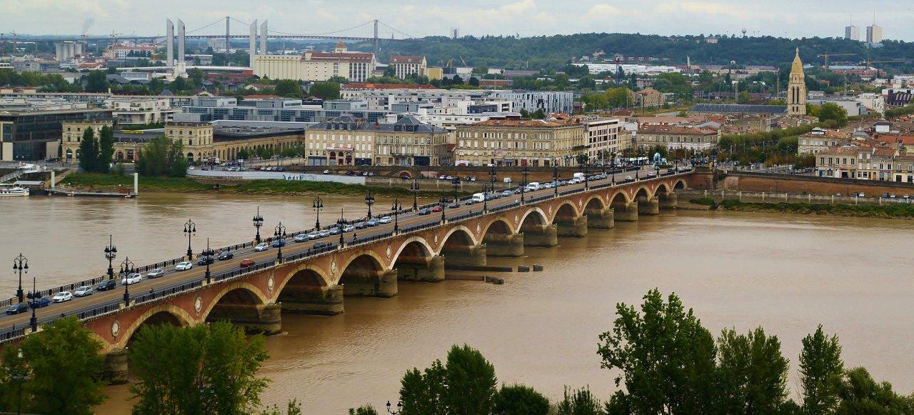 Pont de pierre, Bordeaux, Cities in France