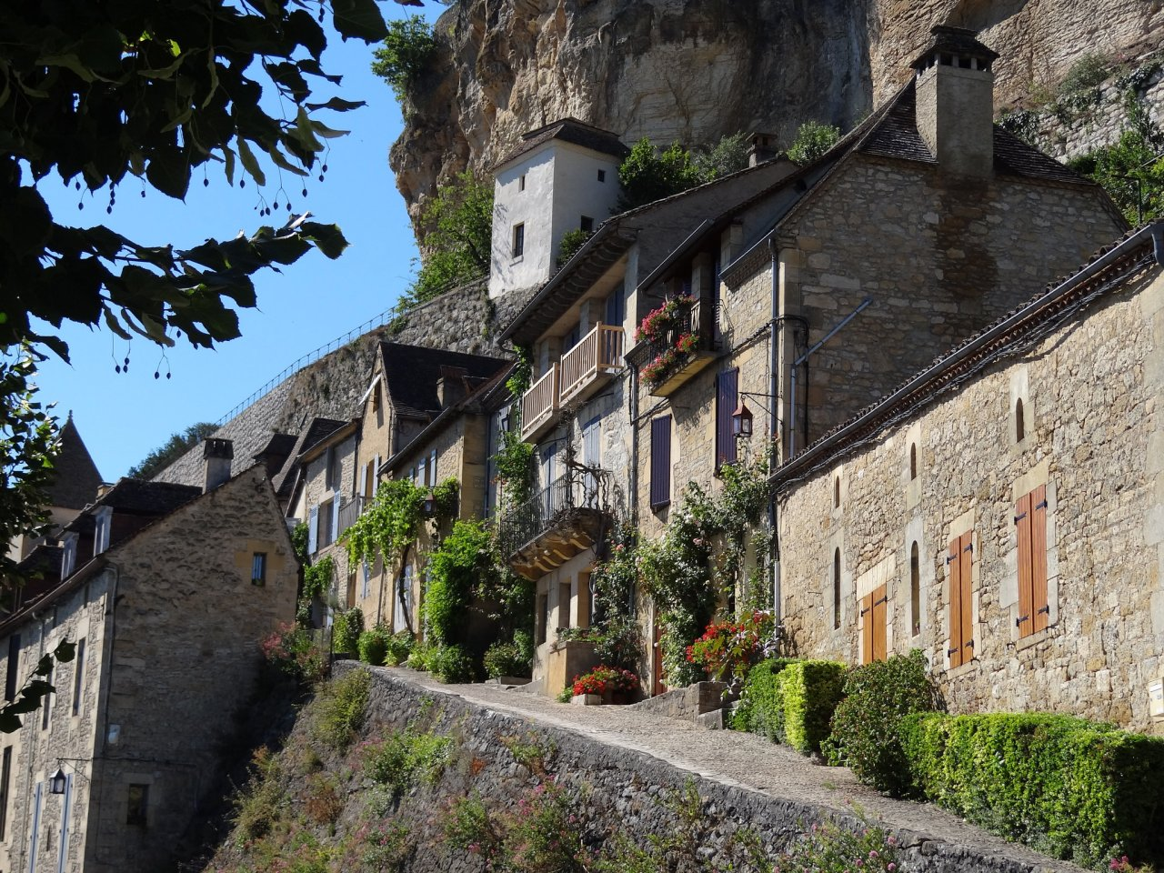 Beynac-et-Cazenac__Cities_in_France