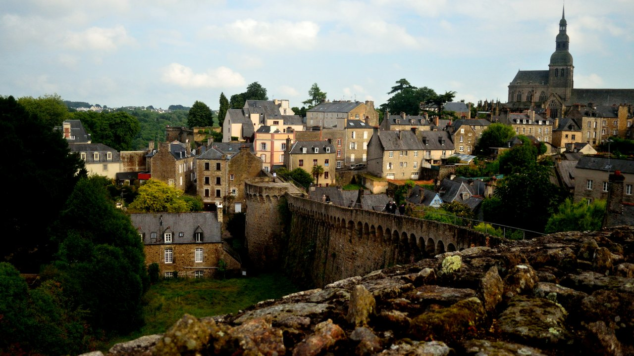 Dinan, Cities in France