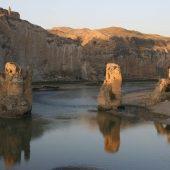 Hasankeyf Eski Köprü – old Tigris bridge, Hasankeyf, Turkey