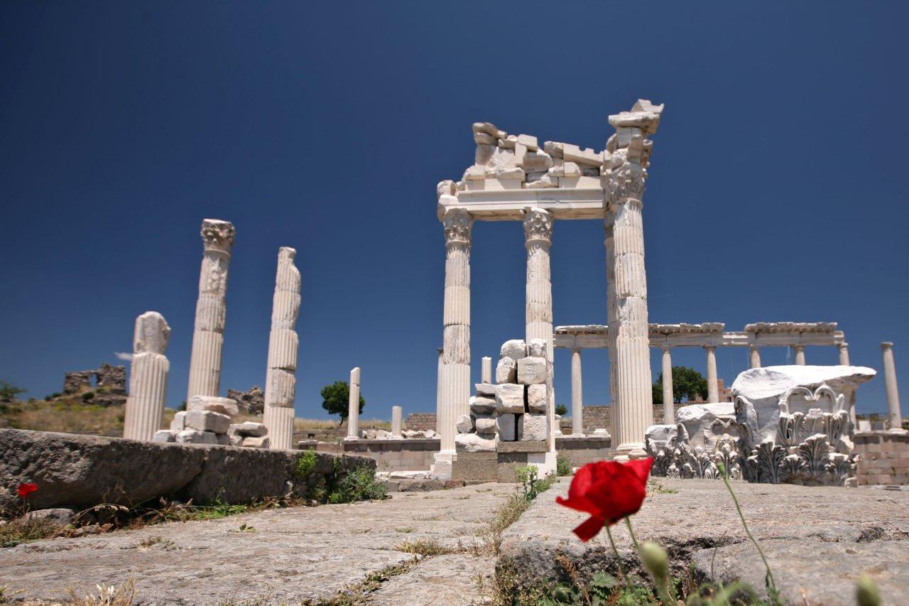 Pergamon Altar, Best places to visit in Turkey