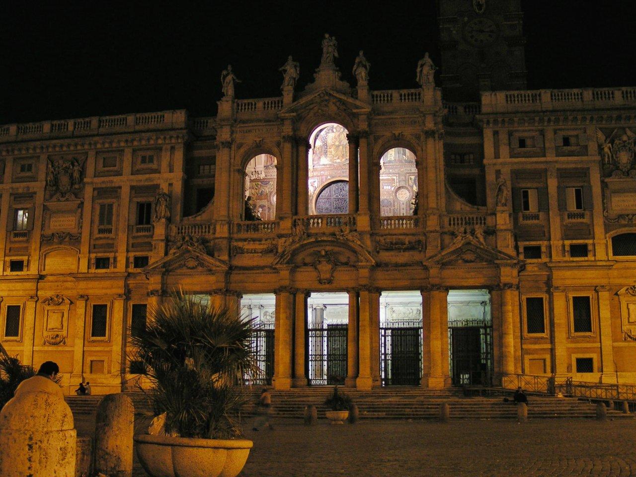 Santa Maria Maggiore in the night, Rome Attractions, Italy