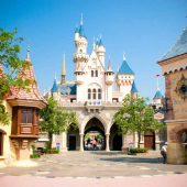 Hong Kong Disneyland, Top tourist attractions in Hong Kong