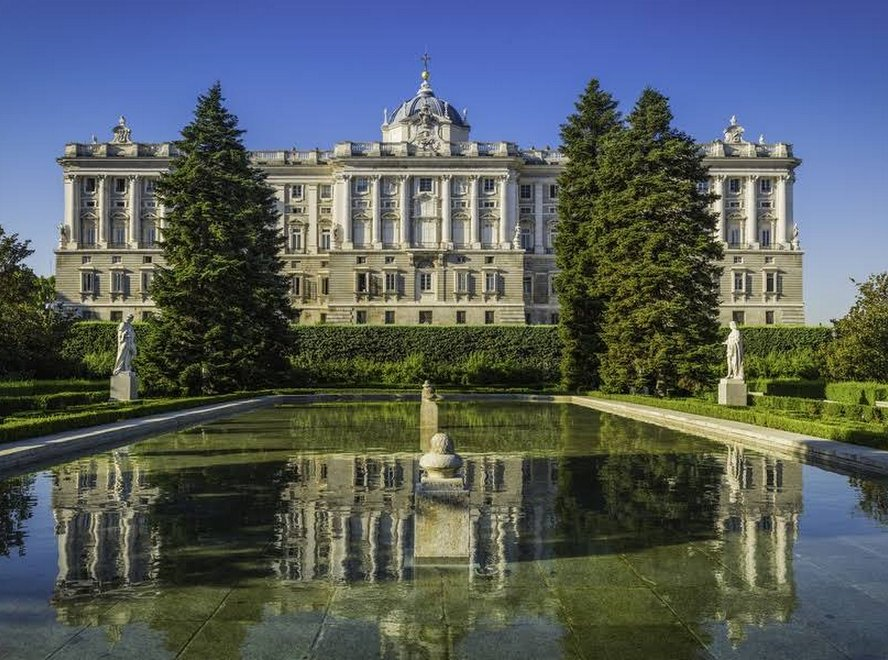 The_Royal_Palace_of_Madrid-Spain
