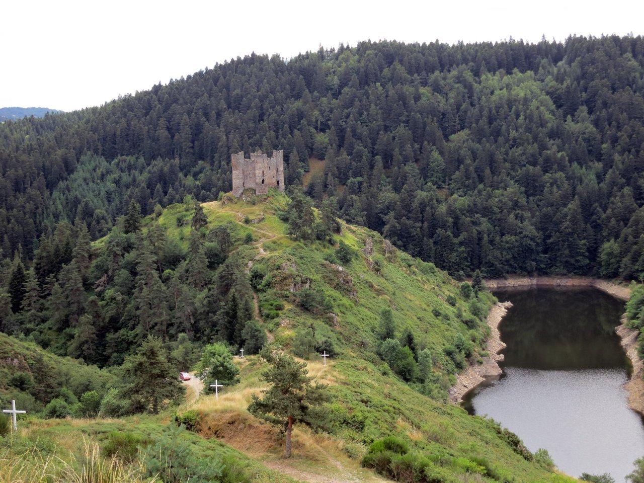 Alleuze, Castles in France