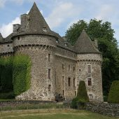 Auzers, Castles in France