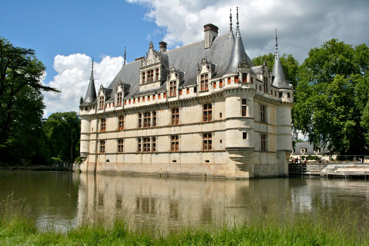 Chateau d'Azay-le-Rideau, Castles in France