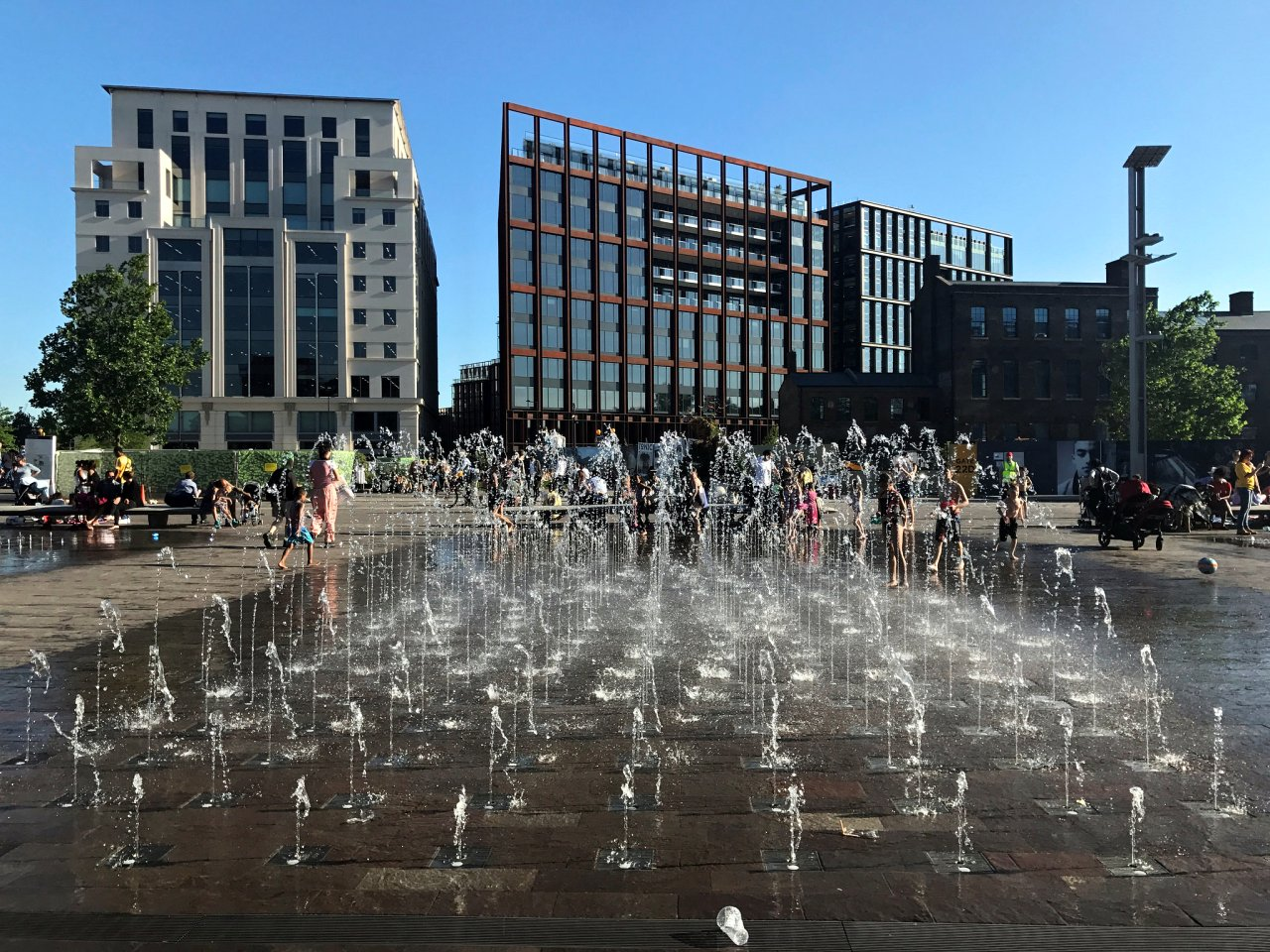 Granary Square fountain, Places to visit in London