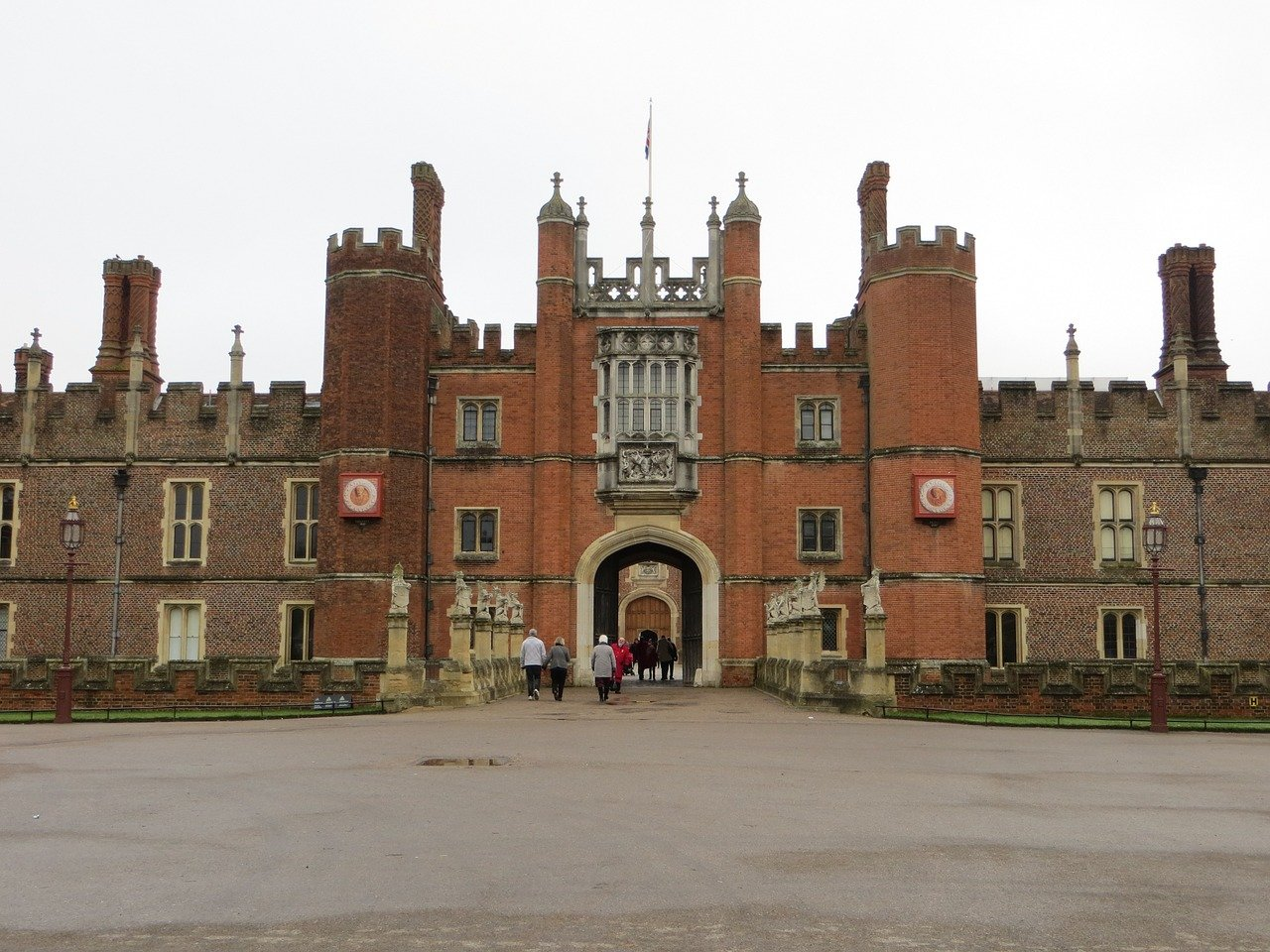 Great Gate at Hampton Court Palace, Places to visit in London