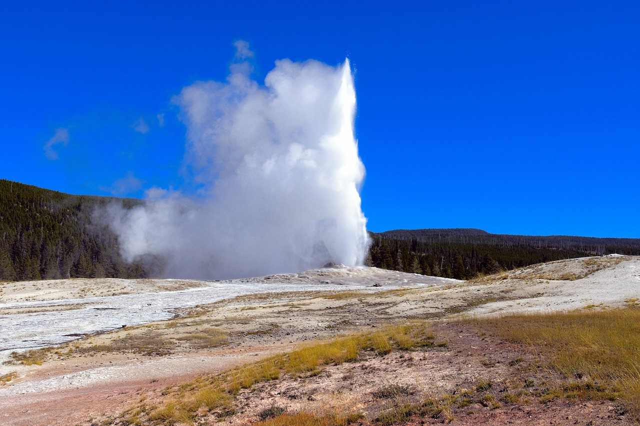 Old Faithful Geyser – Upper Basin, Yellowstone National Park, Wyoming, Montana, and Idaho, Visit in USA