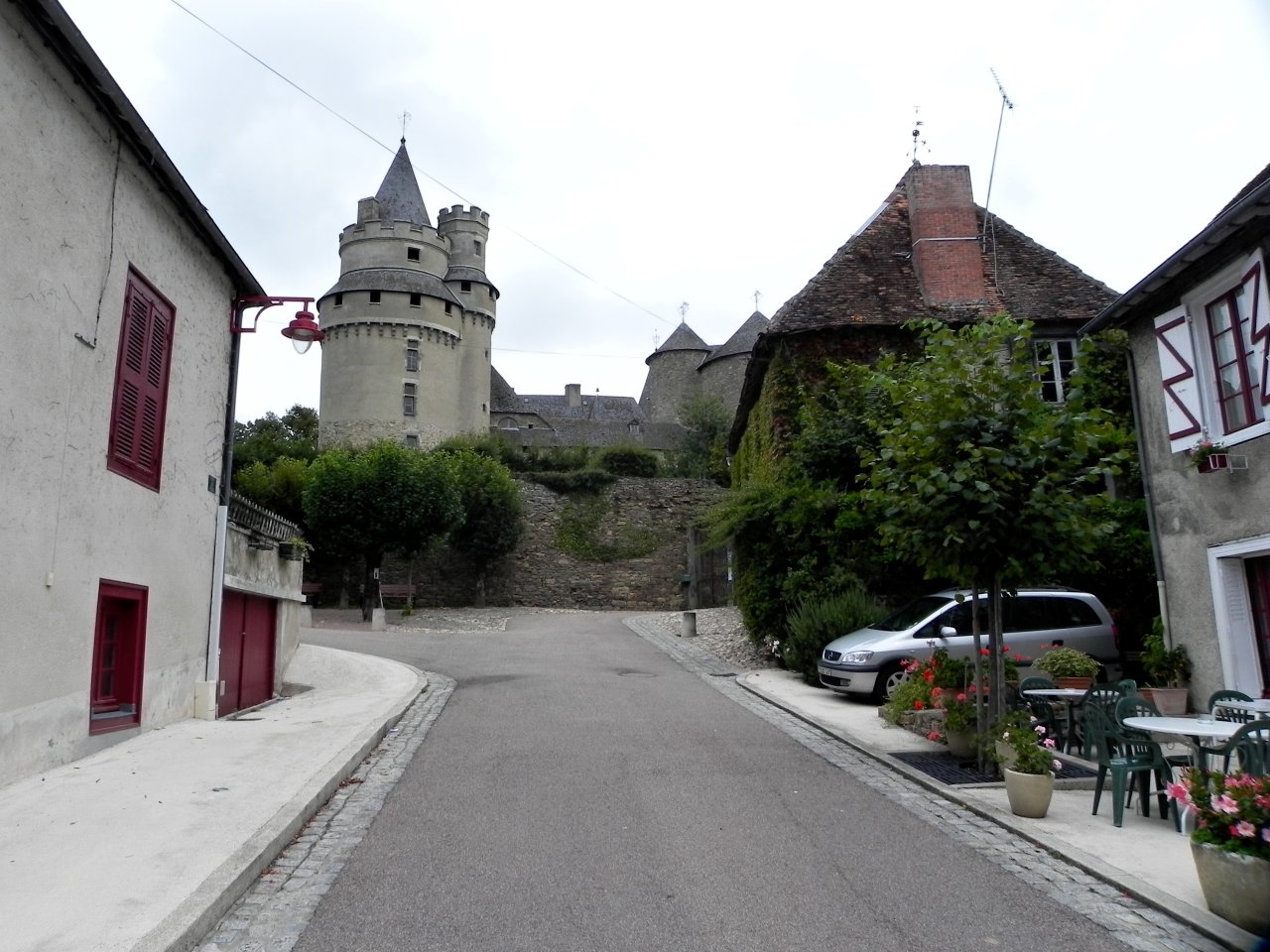 Bonneval, Castles in France