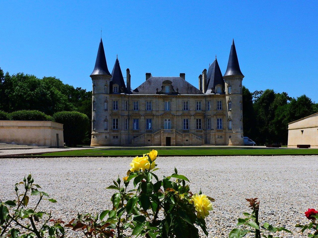 Bordeaux Vineyard, Pichon, Castles in France
