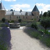 Chamerolles, Castles in France