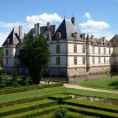Cormatin, Castles in France