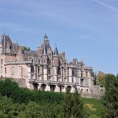 Montigny-le-Gannelon, Castles in France