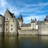 Sully sur Loire, Castles in France