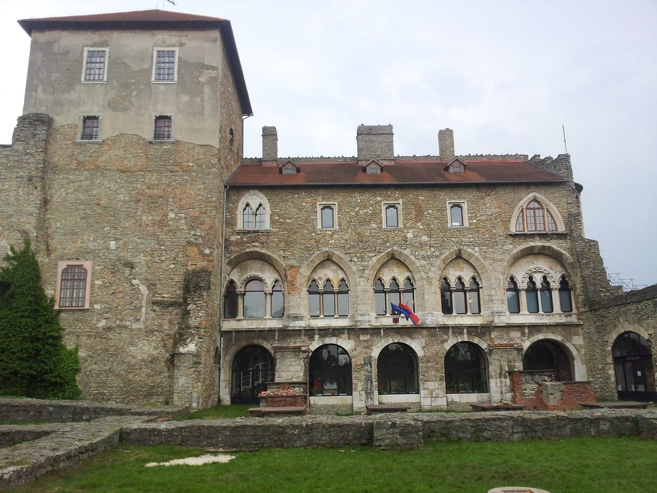 Tata Castle, Places to Visit in Hungary