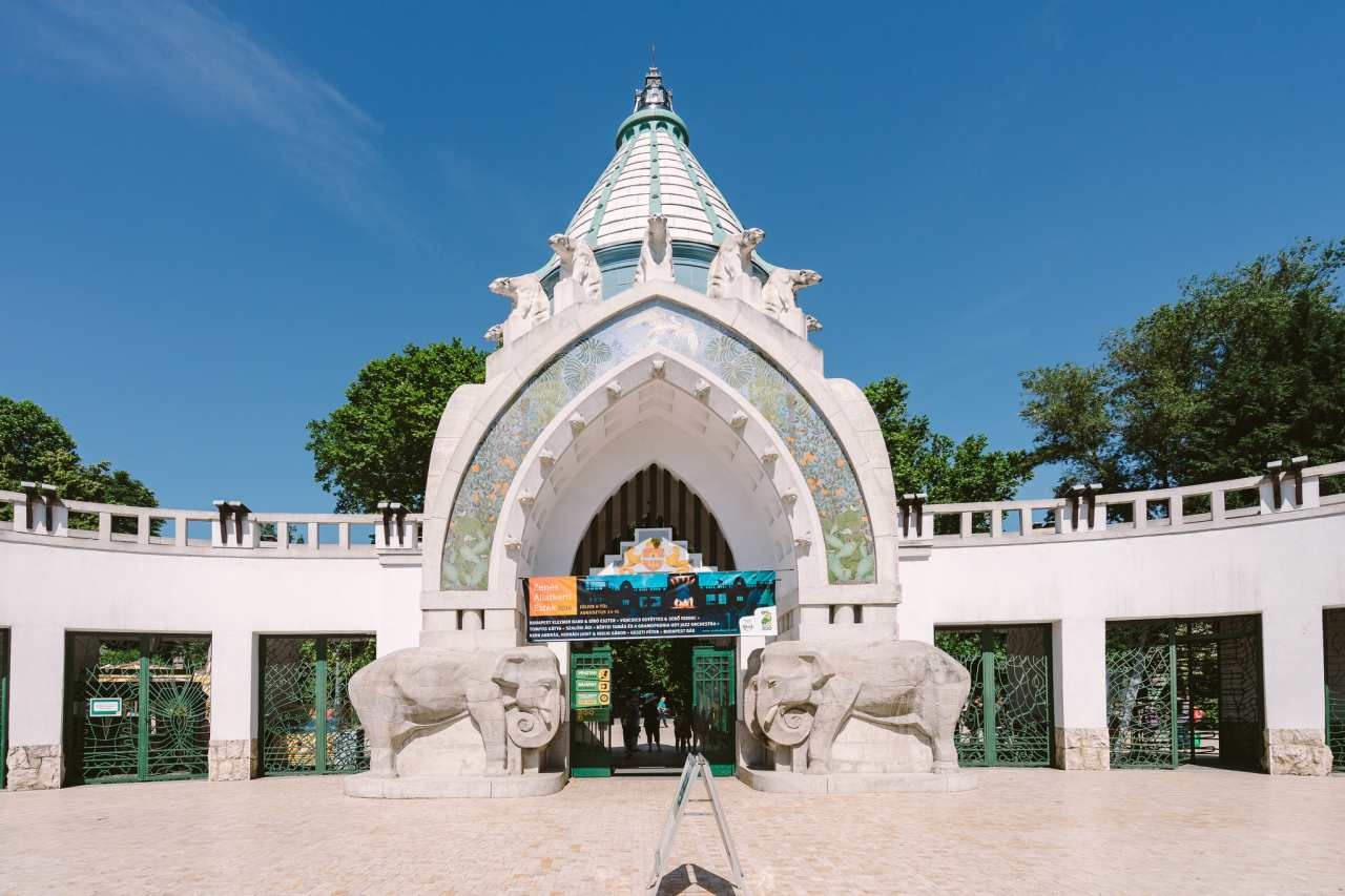 Budapest Zoo and Botanical Garden, Places to Visit in Budapest